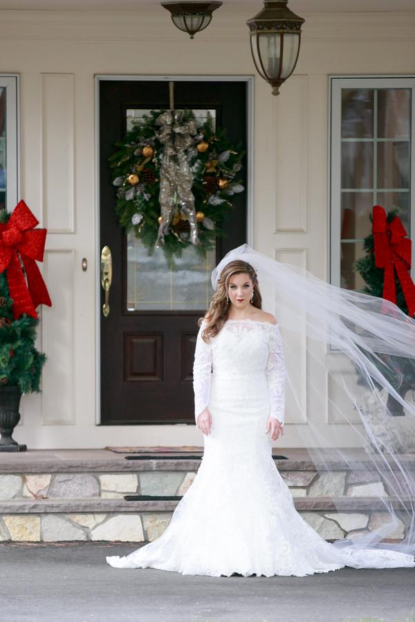 Courtney and Christopher\'s Hunter Green Christmas Wedding – The ...